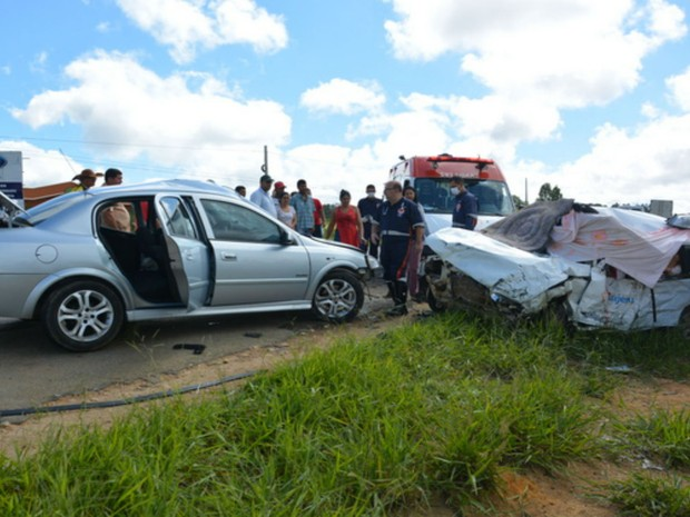 Quatros pessoas morreram em acidente com carro da prefeitura de Guajeru na BA-262 (Foto: Anderson Oliveira / Blog do Anderson)