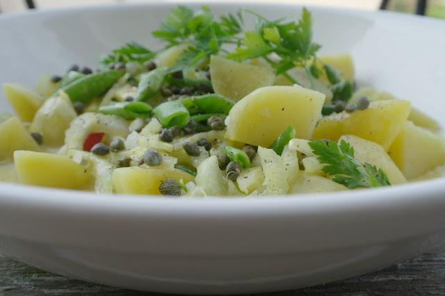 potatissallad med rädisor och majonnäs