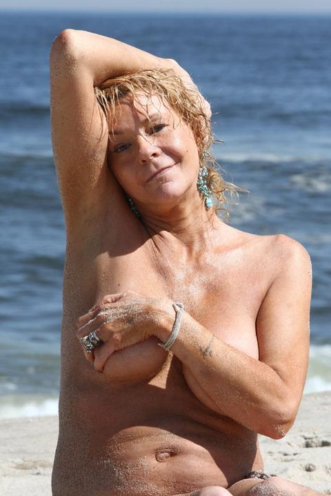 Nude sexy horny midget