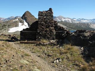 Die High Sierra Mine besteht aus den Überresten einer alten Silbermine