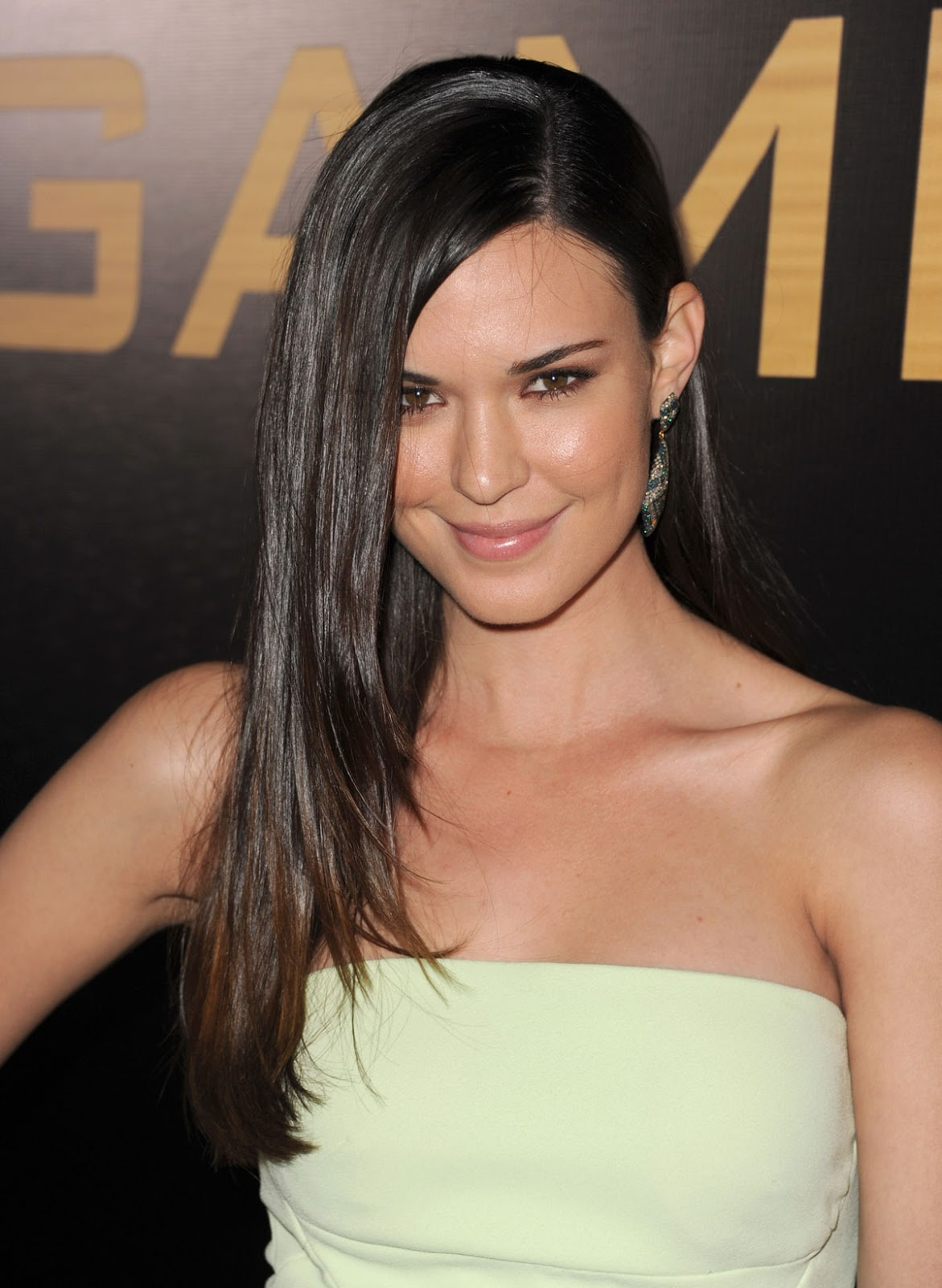 Full HQ Images of Odette Annable in Yellow dress At The Hunger Games Premiere In Los Angeles