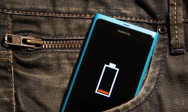 inilah-ciri-ciri-baterai-smartphone-anda-harus-cepat-diganti