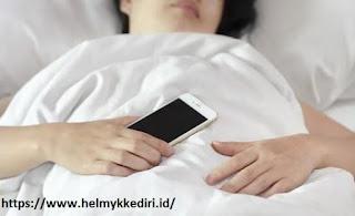 Fakta bahaya tidur didekat smartphone