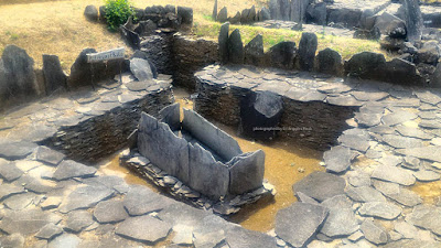 Peti kubur batu di Situs Purbakala Cipari