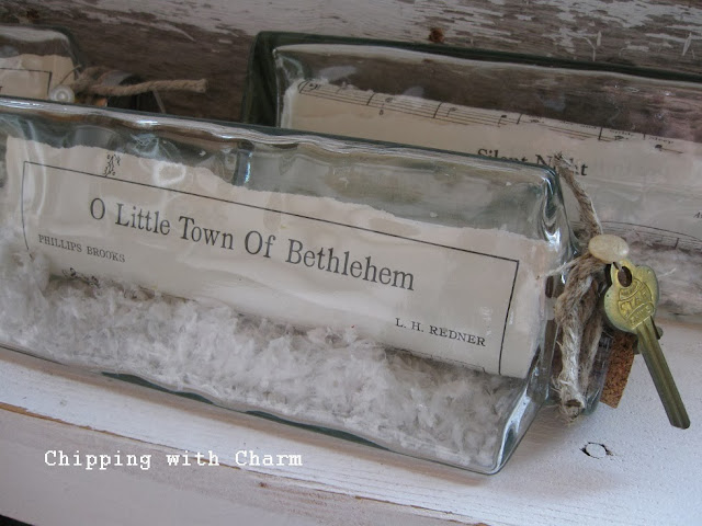 Chipping with Charm:  Christmas in a Canister...http://www.chippingwithcharm.blogspot.com/