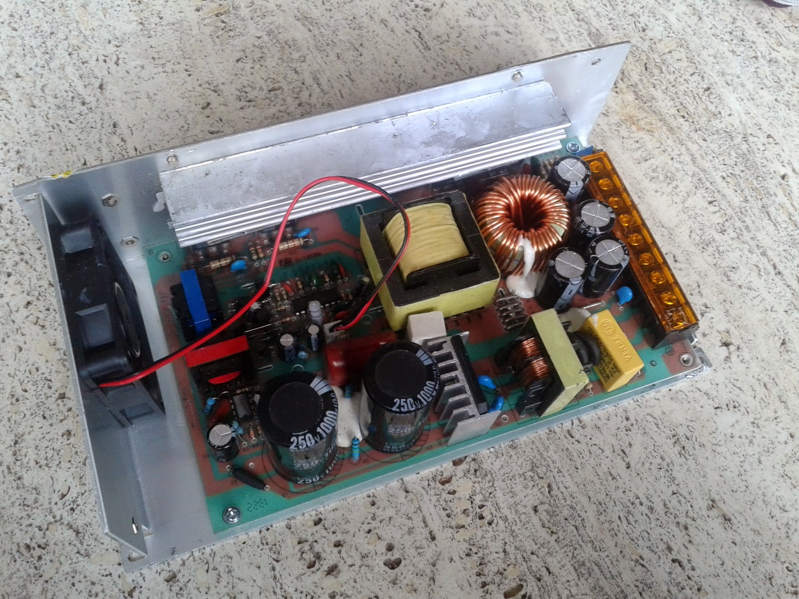 Help Wanted Cheap Chinese Power Supplies 12v 500w Teardown Supply Tutorial Smps Here Is A Look At It Once Open