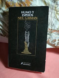 """Recopilatorio de relatos """"Humo y espejos"""", de Neil Gaiman"""