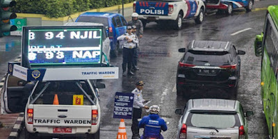Gubernur DKI Jakarta Anies Baswedan memastikan ekspansi sistem ganjil genap selama Asian Asian Games Usai, Ganjil Genap Tetap Jalan hingga 13 Oktober