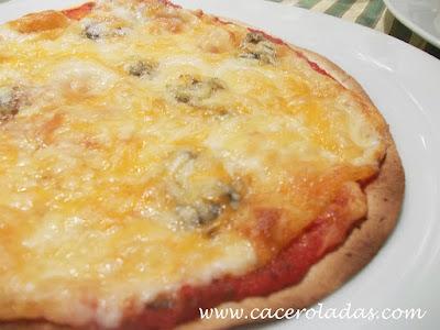 Pizzas rápidas 4 quesos y vegetal
