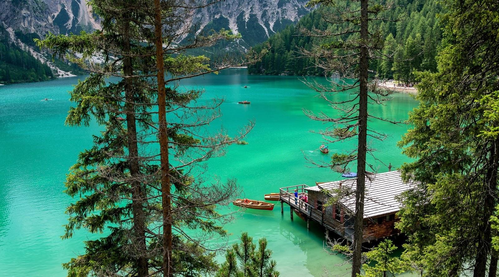 8 Foto Pemandangan Alam Asli Indah Mempesona