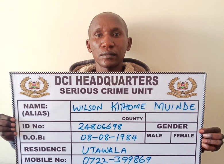 Man Arrested For Attempting To Grab Food From The Snake's Mouth In Nairobi's Snake Park
