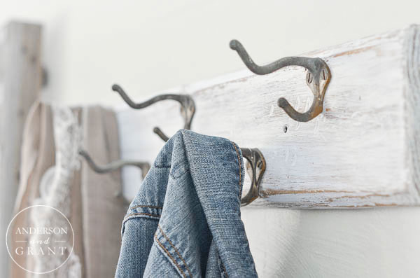 Rustic Coat Rack Makeover {An Afternoon DIY Project}  ||  www.andersonandgrant.com