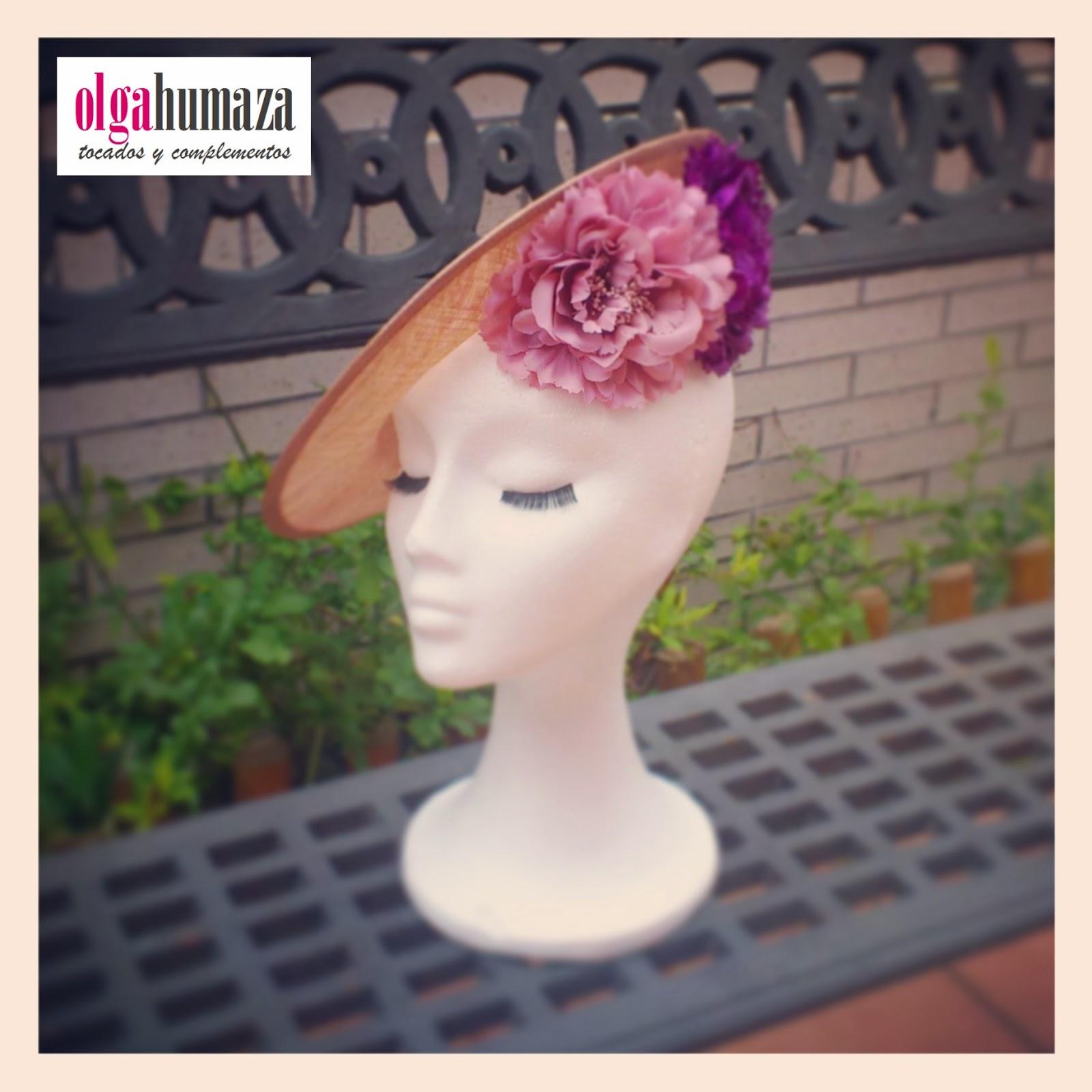 http://olgahumaza.blogspot.com.es/2014/02/b07-tocado-pamela-rosa-nude-y-morado.html