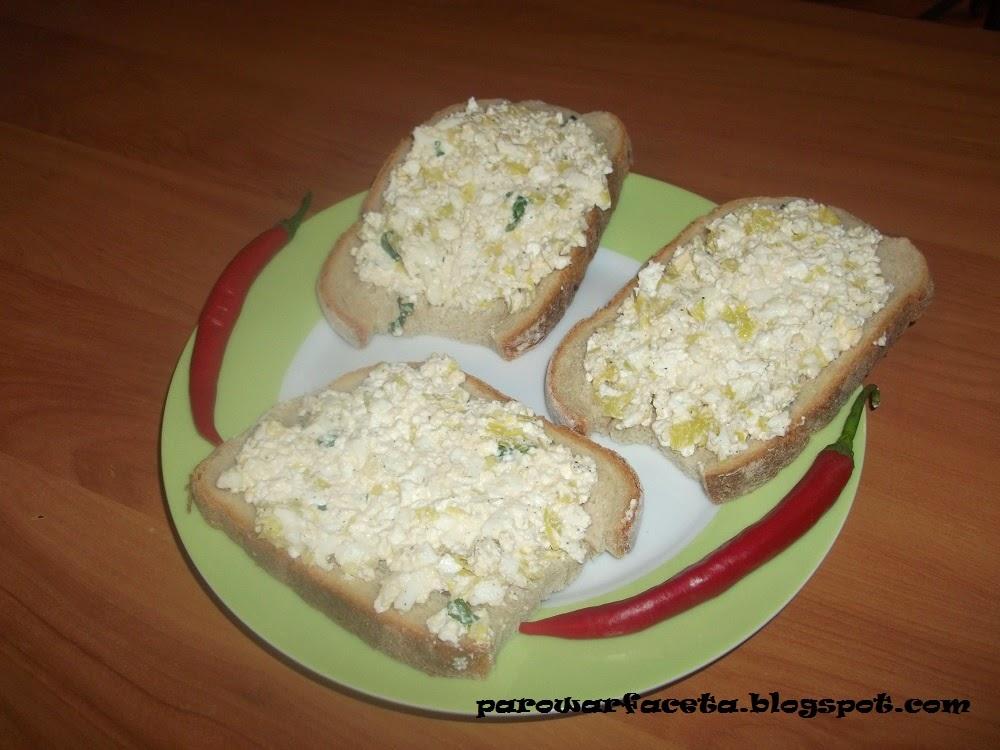 Pasta jajeczna z białym serem i porem z parowaru