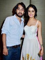 Shraddha Kapoor dengan kakaknya Siddhanth Kapoor