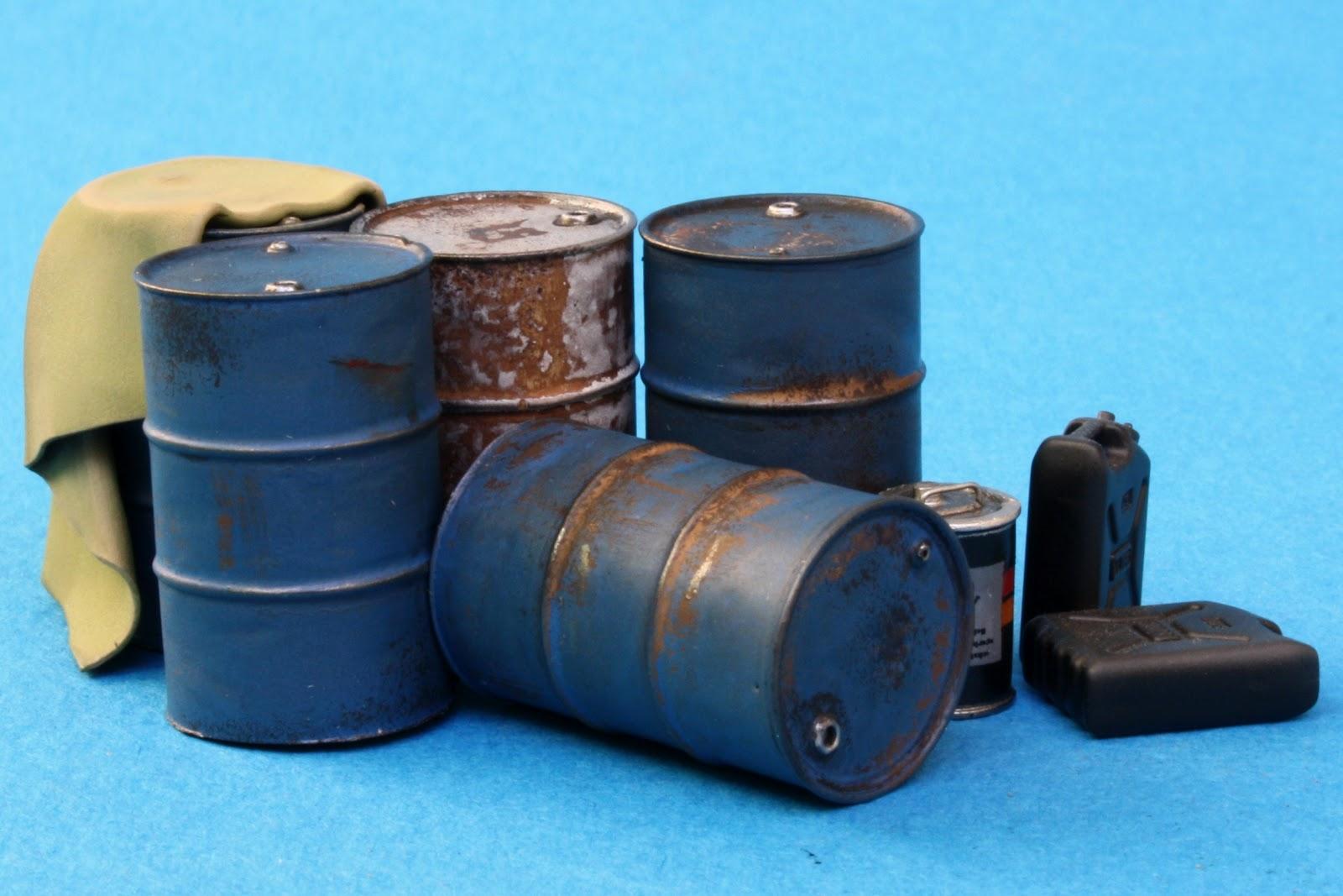 Miniature Creations 1 35 Guntruck Factory Iraq Fuel Drums