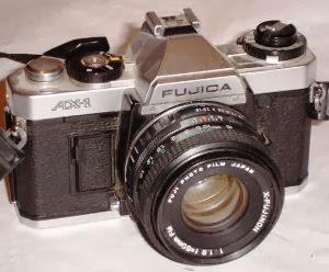 Fujica AX-1 tampak depan