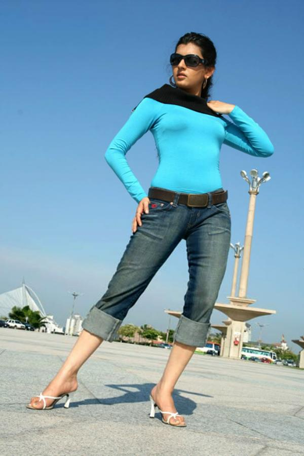 Looking For Hot Beautiful Desi Hottie In Jeans Desi