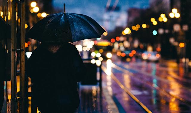 cara agar badan tetap fit di musim hujan