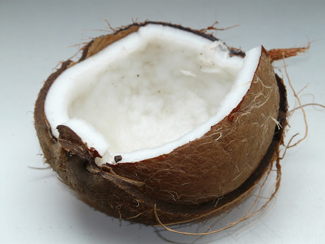 Coconut Oil For Yeast Infection, Coconut Oil and Yeast Infection, How To Get Rid Of Yeast Infection, Home Remedies For Yeast Infection, Vaginal yeast Infection, How To Use Coconut Oil For Yeast Infection, Is Coconut Oil Good For Yeast Infection