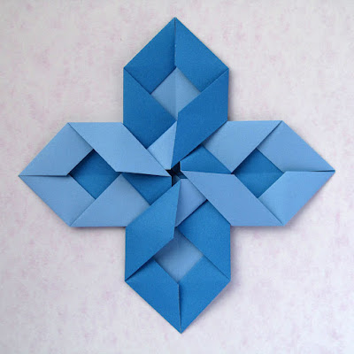 Vista 2, origami modulare: Intreccio - Interweaving © by Francesco Guarnieri