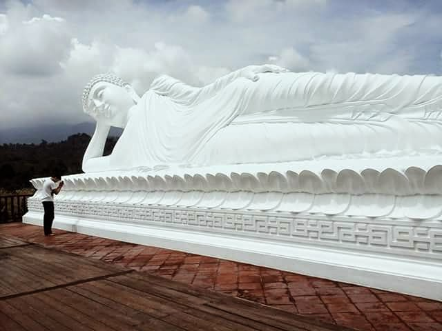 Patung Budha Tidur Bali