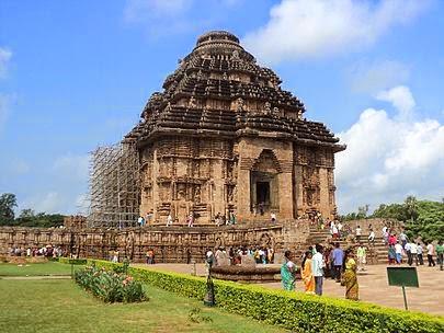 कोणार्क सूर्य मंदिर (Konark Sun Temple)