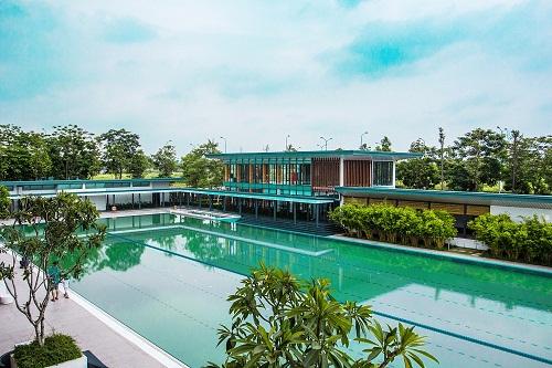 Bể bơi ngoài trời tại biệt thự gamuda gardens