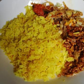 Nasi Kuning Ambon di Jakarta Timur