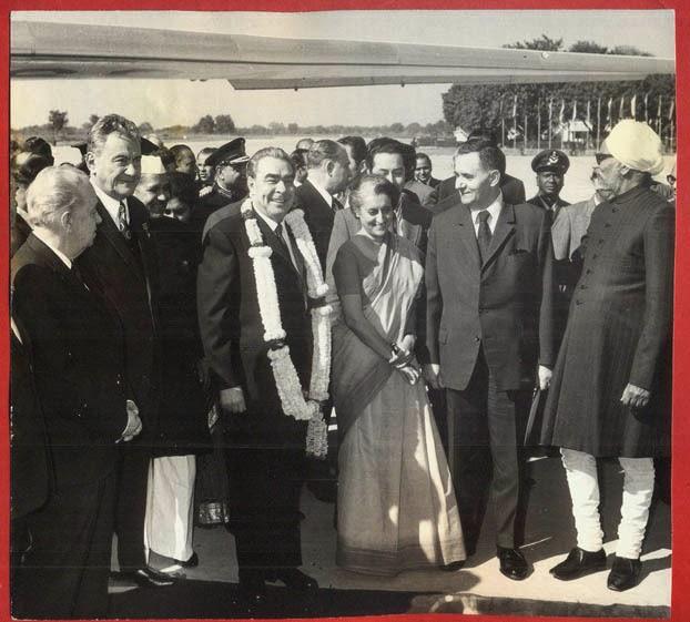 Indira Gandhi Leonid Brezhnev