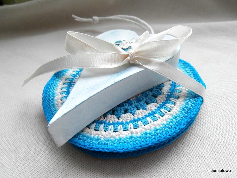 Niebieskie mandale z sercem