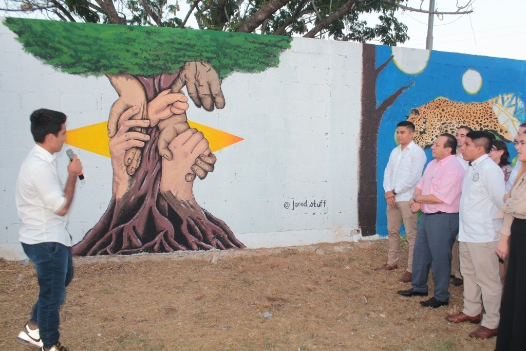 Develan murales en la prepa uno de la uady libertad de for Mural prepa 1 uaemex