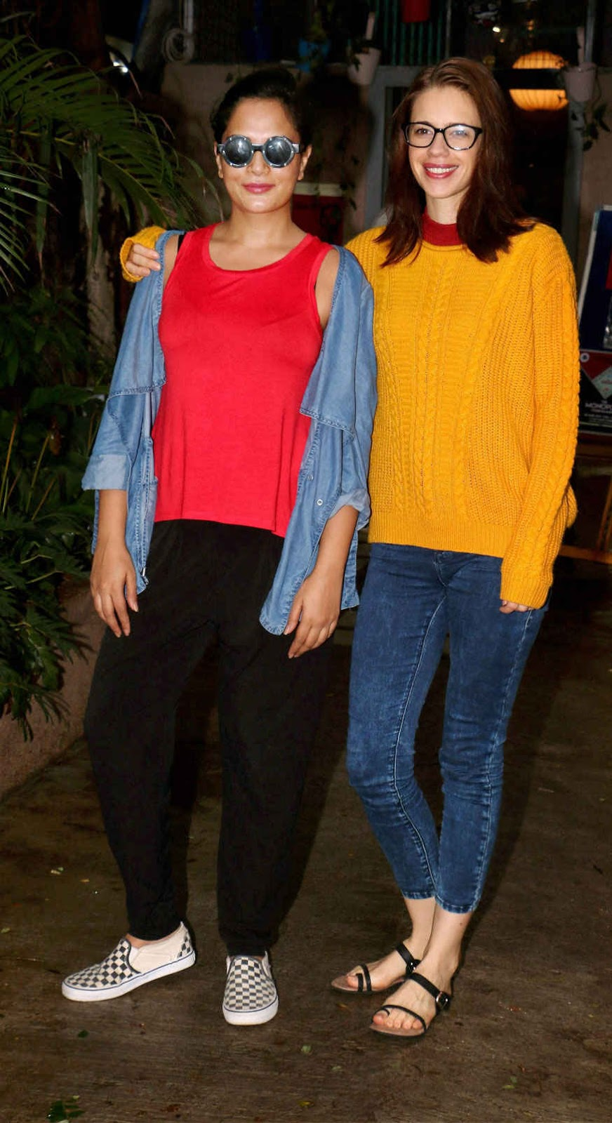 Richa Chadda and Kalki Koechlin Poses During Screening of film 'Jia and Jia'