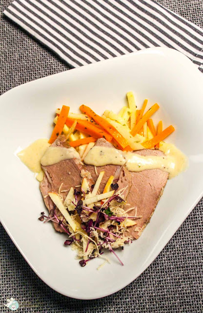 geschmortes Rindfleisch mit Karotten und Meerrettich