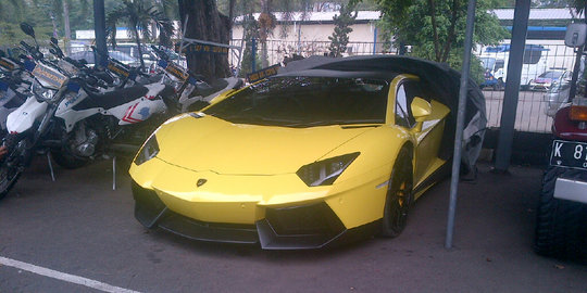 Ini Penampakan Lamborghini Kuning Yang Ditilang Di SCBD