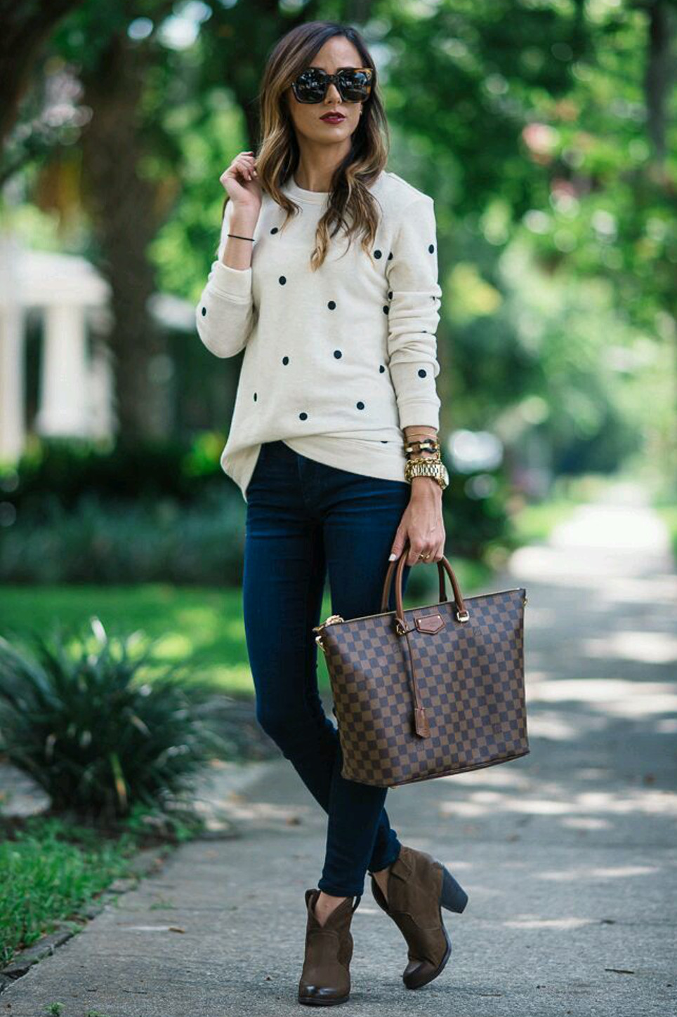 What to wear with jeans? Million ways to style yourself for the office in one place