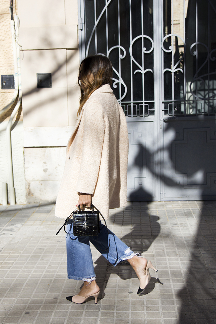 How to Dress Up Your Favorite Jeans for Fall — Blogger Outfit Inspiration