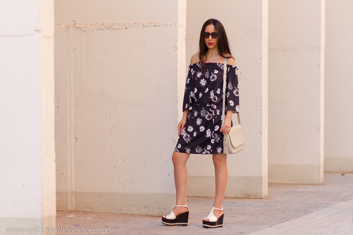 Blogger influencer de moda valenciana con look de mujer verano comodo