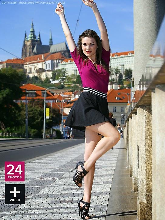 W22B 2014-10-03 Magazine - Serena - Fashion shoot with Serena 10120