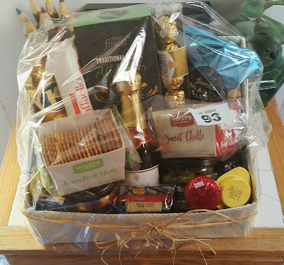 Whoopidooings: The hamper I won at the teaparty