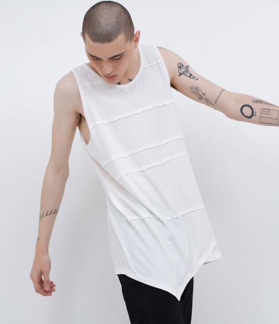 Camiseta Masculina com Barra Assimétrica