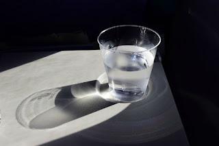 Resuelve tus problemas con un vaso de agua