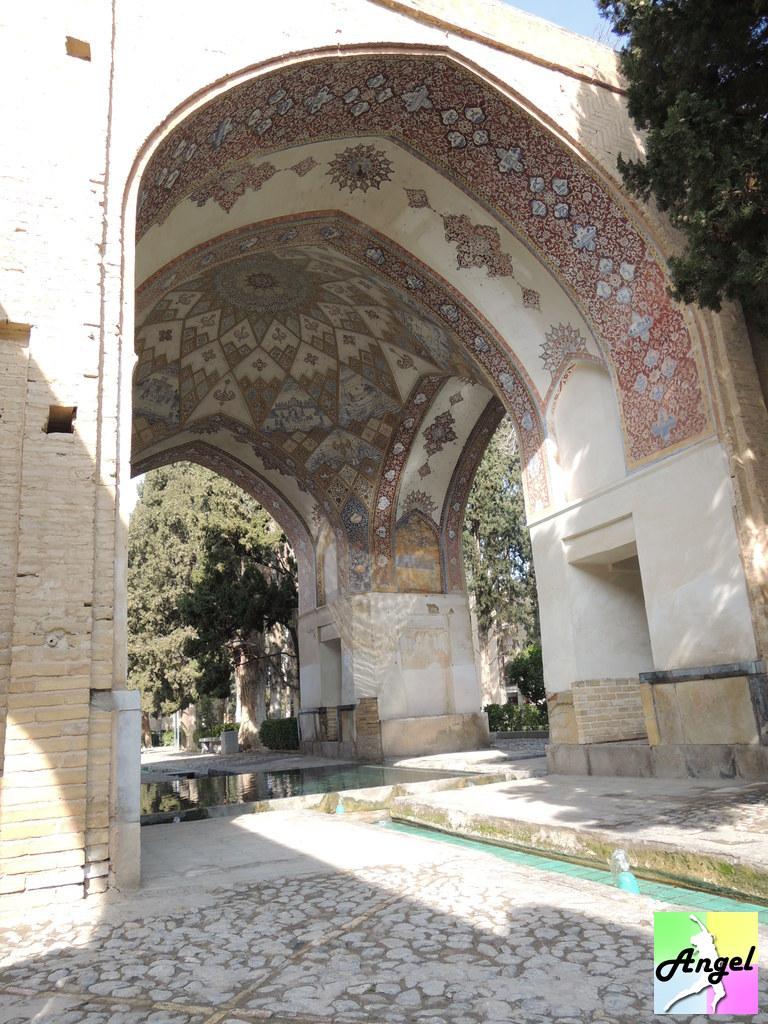 fin garden ceiling kashan iran