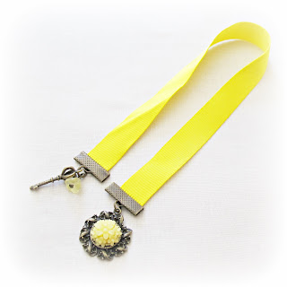 image diy tutorial vintage inspired ribbon bookmark attach beads and cabochons to ribbon ends