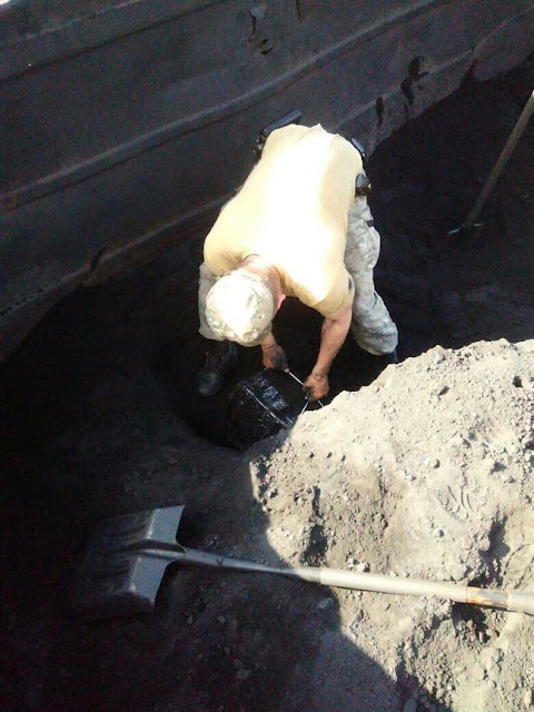 Львівські прикордонники виявили контрабанду цигарок у вагонах з рудою