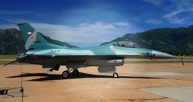 Pesawat tempur F-16 Block 52 Terbaru TNI AU Indonesia