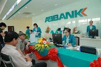 Thủ tướng trả lời chất vấn về xử lý ngân hàng vi phạm