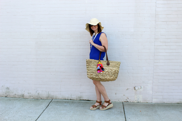 scallop dress, straw hat, beach tote, spring style