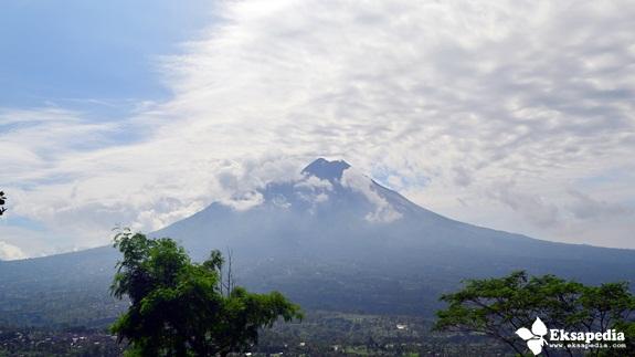 Gunung Merapi Jawa Tengah