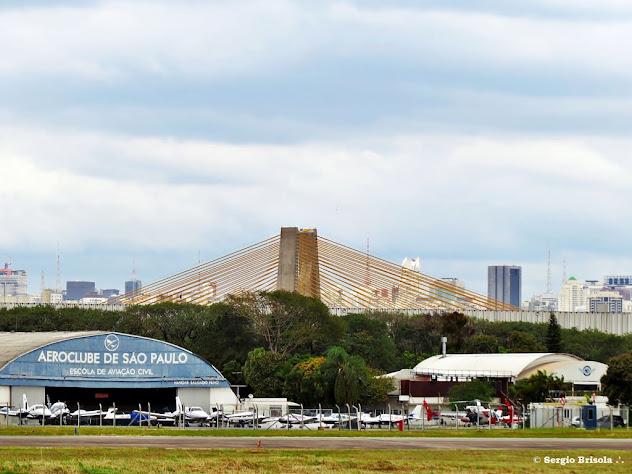 Panorâmica do Aeroclube de São Paulo com a Ponte Estaiadinha ao fundo - Santana - São Paulo